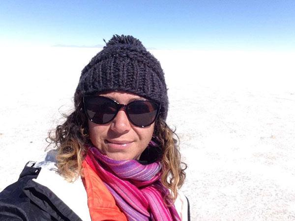 Virginie sur le Salar de Uyuni (Bolivie)