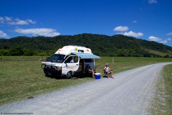 Jeffrey, Fabien et leur van en Australie