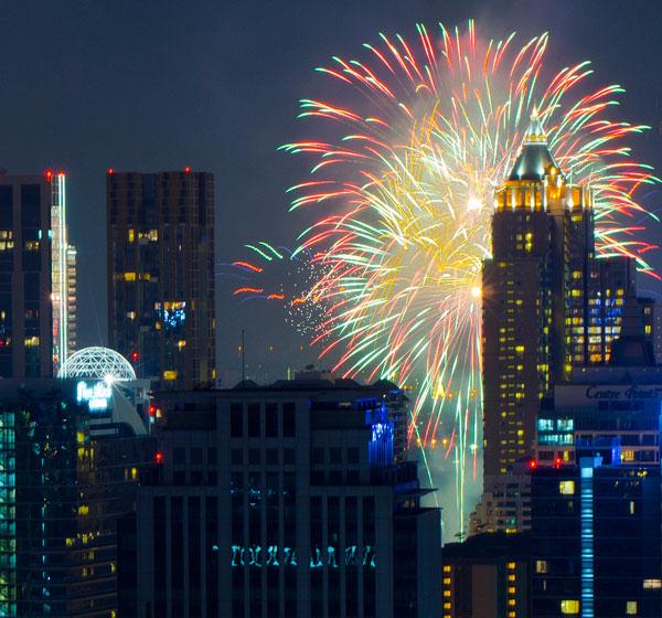 Nouvel An et feux d'artifice à Bangkok (Thaïlande)