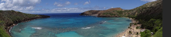Panorama de Hanauma Bay sur l'île d'Oahu, Hawaii (USA)