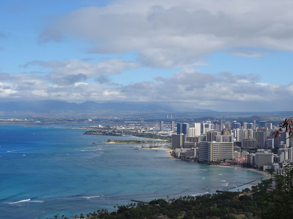 Vue sur Honolulu depuis Diamond Head, Hawaii (USA)