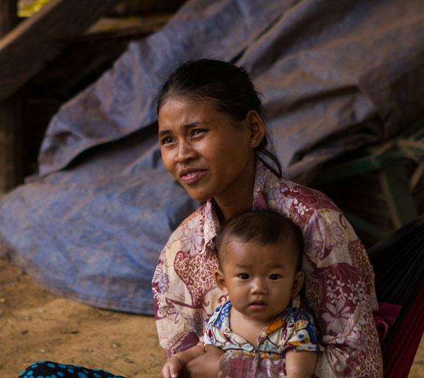 Mère et enfant (Cambodge)