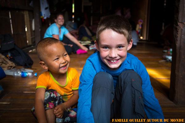 Clément dans le Village des Lahu à Mae Hong Son (Thaïlande)