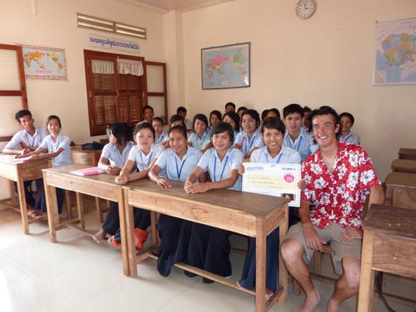 """Florent dans l'ONG """"Pour un Sourire d'Enfant"""" à Phnom Penh, Cambodge"""