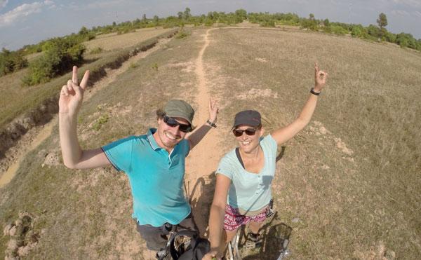 Marjorie & Bastien du blog chronomundi.fr en balade à vélo, Cambodge