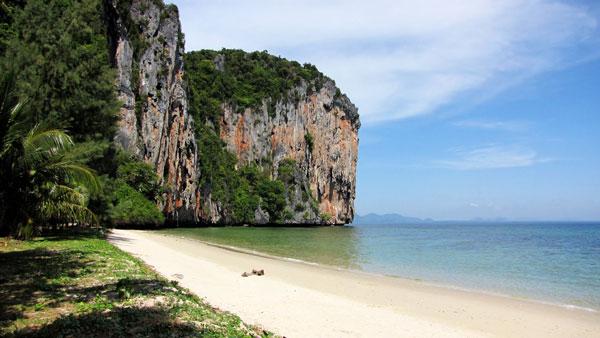 Quelle île choisir en Thaïlande : jolie plage de Koh Sukorn
