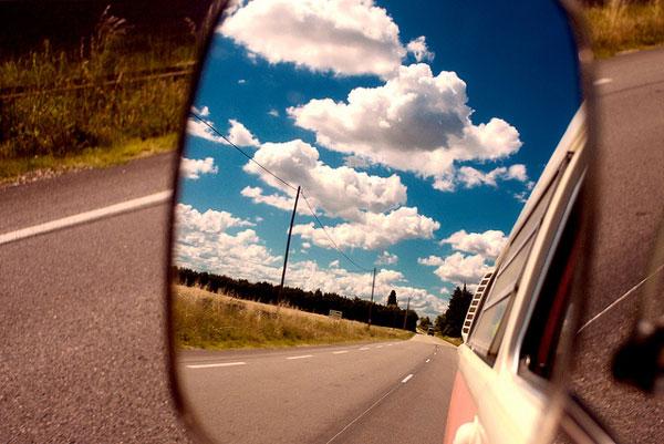10 objets utiles en roadtrip : regarder en arrière