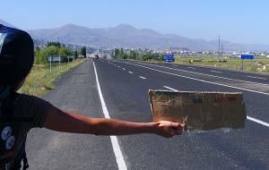 15 conseils pour un voyage en auto-stop réussi