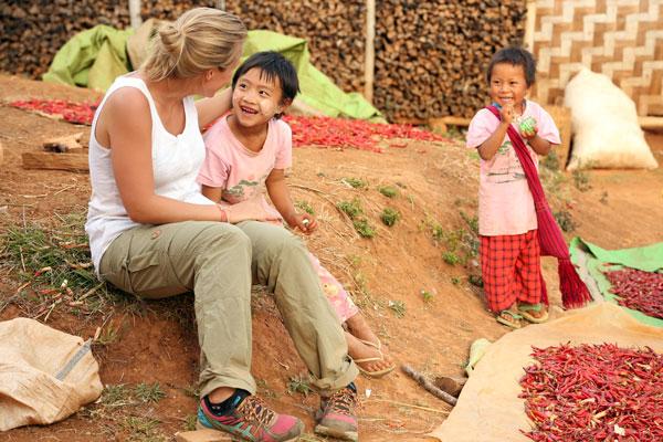 Charlotte et les enfants birmans