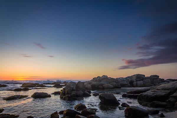 Coucher de soleil sur la plage de Maitencillo, au Chili