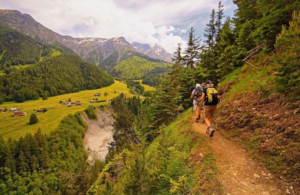 Sur les chemins du tour du Mont-Blanc, France