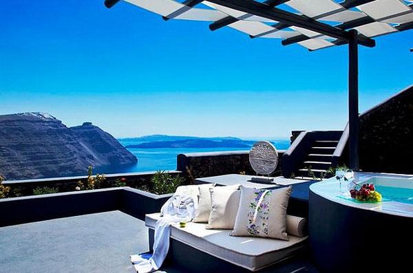 Hôtel et vue sublime en Grèce
