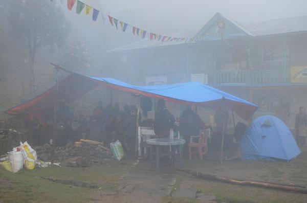 Camp de Sing Gompa, lors du séisme au Népal de 2015