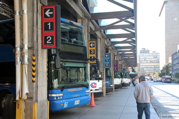 Terminal de bus au Canada
