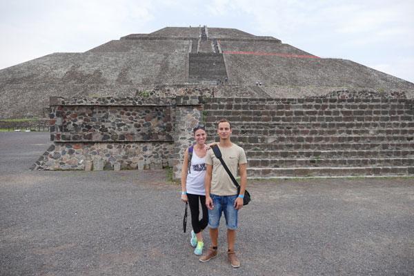 Valentine et Johan à Teotihuacan, Mexique