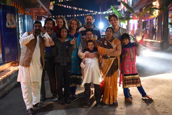La famille Benabadji et leurs amis indiens à Pedong, Inde