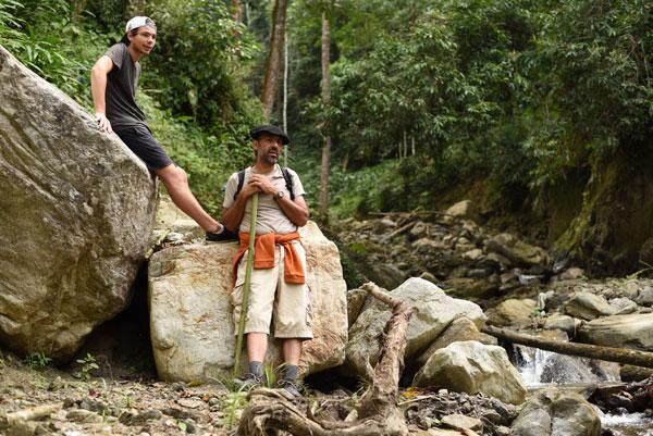 Yanis et Ahmed lors d'une balade dans l'Himalaya, en Inde