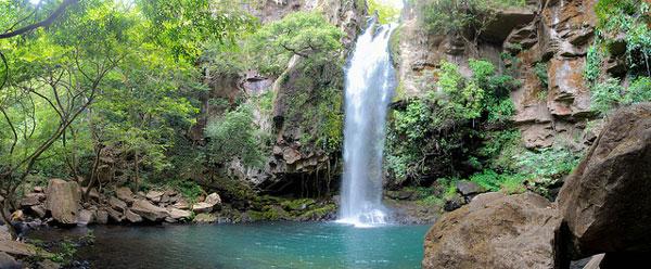 Chute d'eau dans le Parc du Volcan Rincón de la Vieja, Costa Rica