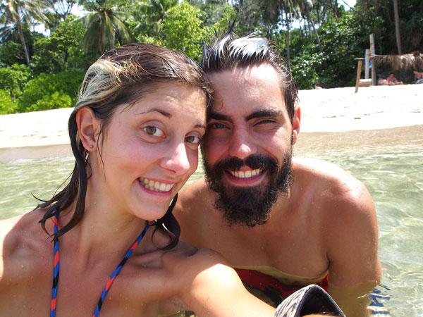 Charlotte et Grégory sur l'île de Koh Lanta, en Thaïlande