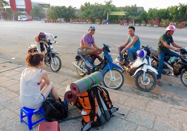 Alice à la frontière vietnamienne