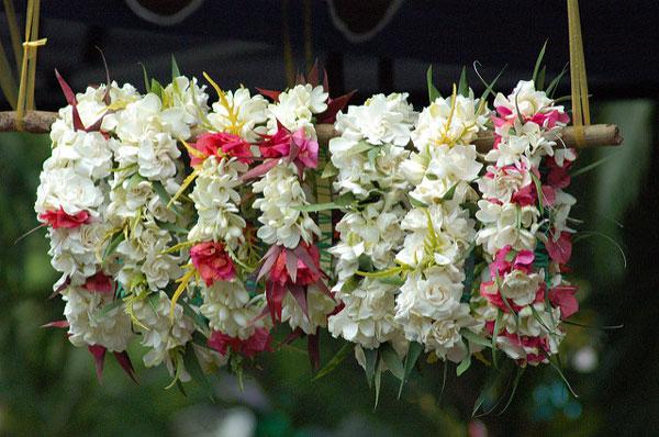 Colliers de fleurs des Îles Cook