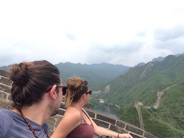 Face à la Grande Muraille de Chine