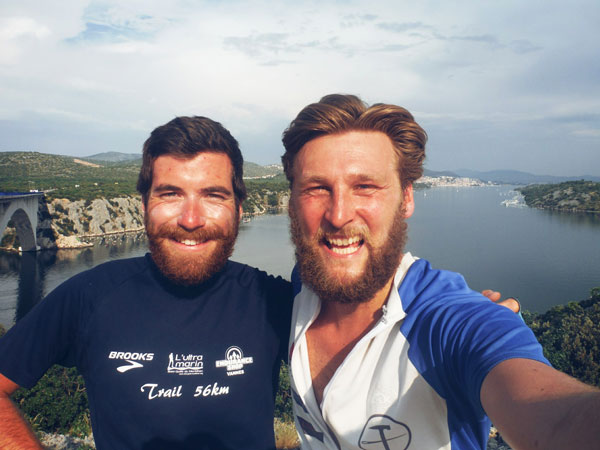 Alan et son compagnon de voyage, James, en Croatie