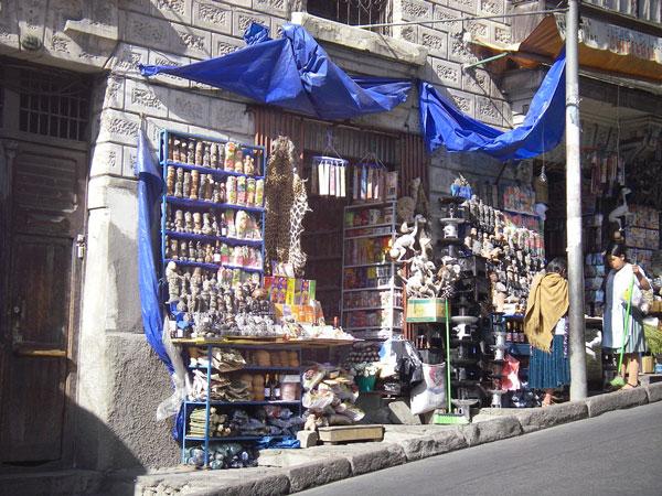 Petite boutique du célèbre Mercado de las Brujas, La Paz