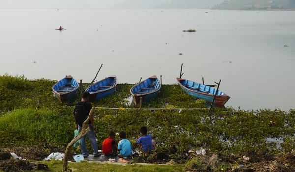 Lac de Pokhara, Népal