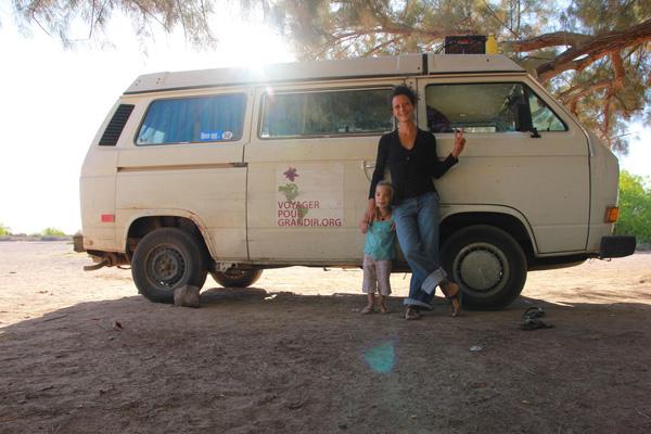 voyager-handicap-sante-camille-et-sa-maman