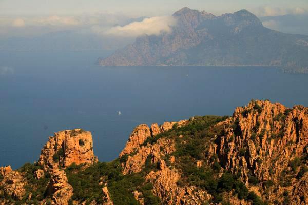 La route D81, en Corse