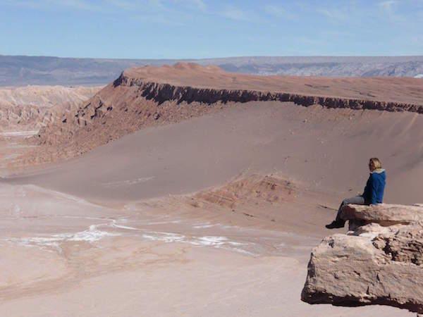 Caroline dans la Vallée de la lune, au Chili