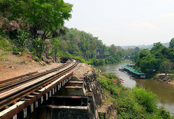 Le pont de Tham Kra Sae