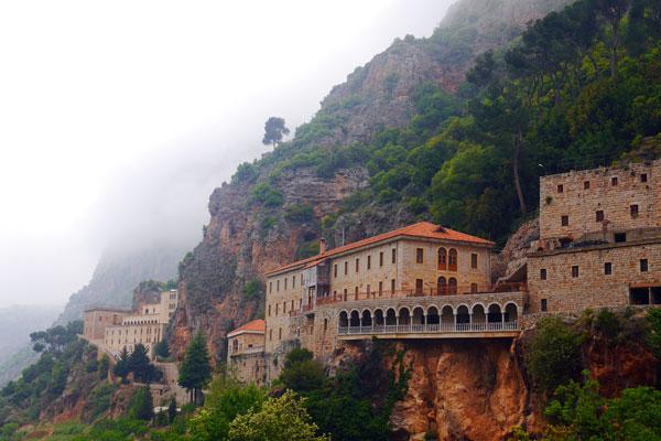 Le Couvent Saint-Antoine de Kozhaya, dans la Vallée de la Kadisha, Liban
