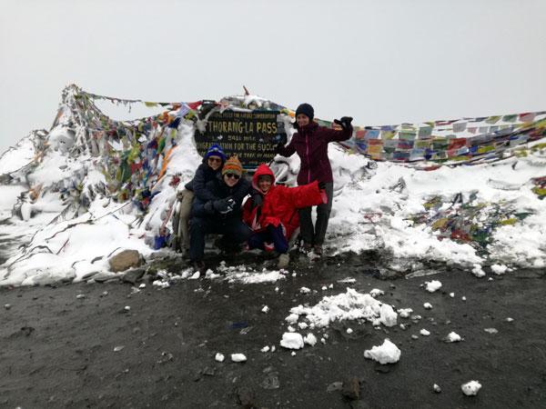 Le départ en tour du monde en solo d'Inès : trek au Népal