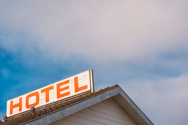 Techniques pour économiser en voyage : prendre des hébergements bon marché