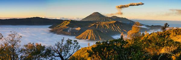 Les monts Semeru et Bromo au lever du soleil (Java)