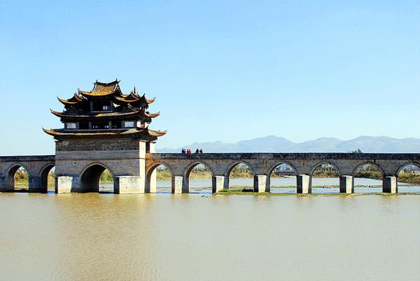 Le Pont du Double Dragon à Jianshui, Yunnan, Chine
